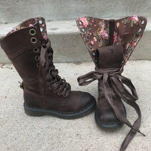 Sz 5 Dr. Martens Triumph 1914 boots